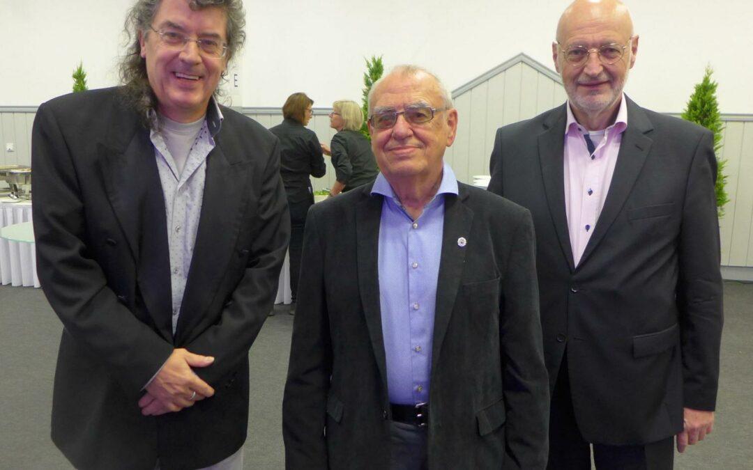 Friedrich Hirschke vom APHV mit der Silbernen Ehrennadel ausgezeichnet!
